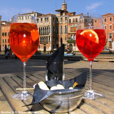 """イタリアの代表的な食前酒""""スプリッツ""""はヴェネツィアで生まれた!"""