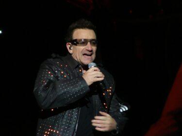 アイルランドのミージックバンド「U2」、イタリアでなんて呼ぶか知ってる?