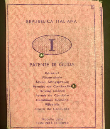 こんなんでいいのイタリアの免許証!!!?