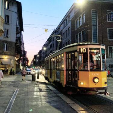 ミラノに来たら地下鉄やバスも使って移動してみたら? (イタリア人は自販機を信じません)
